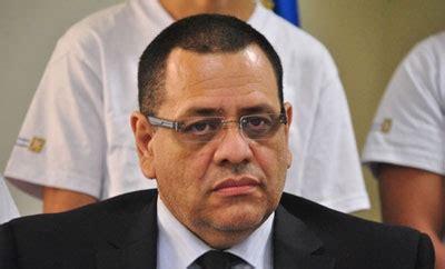 politician briefprobe prisons probe sparks political spat el salvador truce