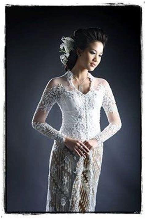 Riani Maxi Putih Batik Cokelat 1000 images about kebaya pengantin on wedding grey and design
