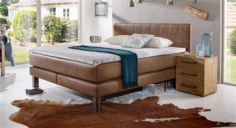 wandregale für schlafzimmer zimmer deko im shabby stil