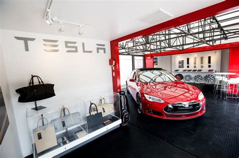 Tesla Motors Store Tesla Brings Electric Car Popup Stores To Summer Resorts