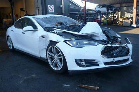 Tesla Model S Frunk Tesla Model S Occupants Survive Landslide And Fallen Tree
