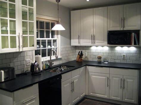 kitchen backsplash ideas with white cabinets silver gas best 25 dark counters ideas on pinterest dark kitchen