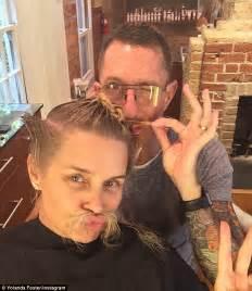 yolanda foster a hair salon yolanda foster chops off her hair while battling lyme