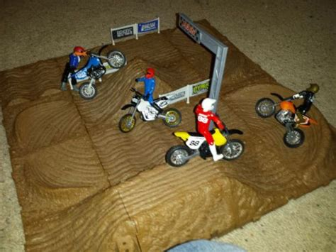 monster truck race track toys 23 best images about monster truck toy arena on pinterest