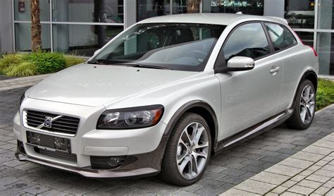 file volvo c30 2 0 d front jpg