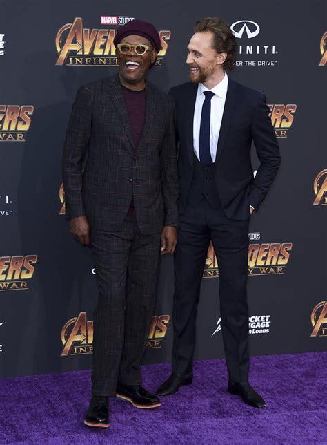jackson y tom samuel l jackson y tom hiddleston posan juntos en la