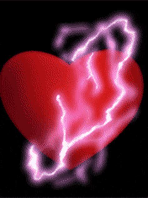 imagenes de corazones en 3d con movimiento corazones con rayos y truenos en movimiento