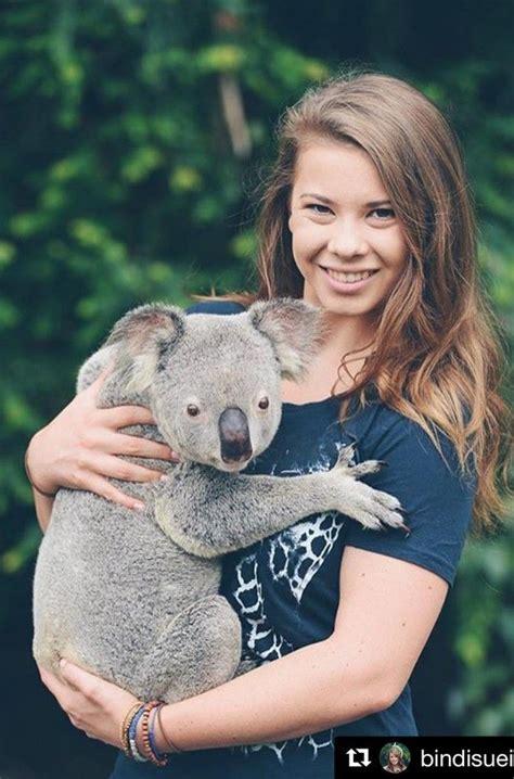 ed sheeran zoo where can you cuddle a koala in queensland