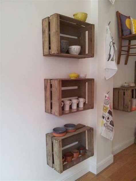 creare mensole mensole fai da te con cassette di legno 20 idee per ispirarvi