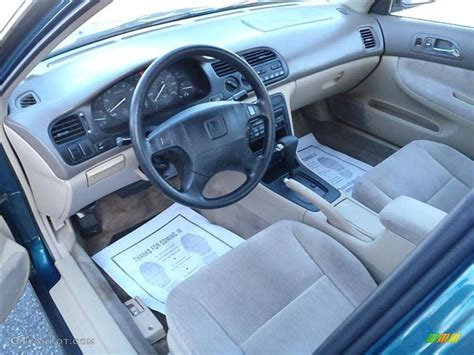 Honda Civic 1994 Interior by 1994 Honda Accord Lx Sedan Interior Photos Gtcarlot