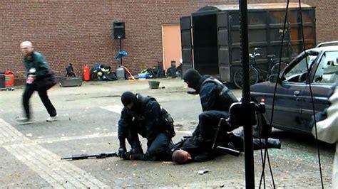 si鑒es auto groupe 2 3 arrestatieteam in actie bij demonstratie op opendag