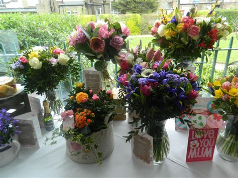 Moonpig Free Card With Gift - fabulous mother s day florals from moonpig fashionmommy s blog