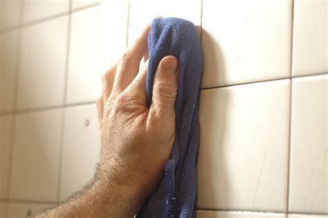 Soap Scum On Shower Floor by 3 Ways To Remove Soap Scum From Tile Wikihow