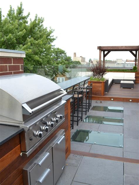 outdoor kitchen countertops pictures ideas from hgtv hgtv outdoor kitchen ideas on a budget pictures tips ideas