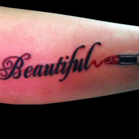 Lipstik Tato 5 lipstick tattoos on sleeve