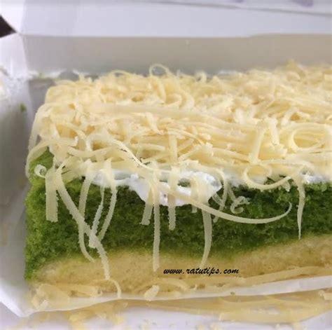 review cake lapis green tea oleh oleh khas bogor