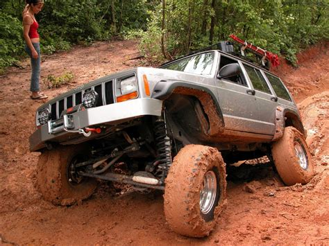 muddy jeep cherokee jeep xj off road image 183