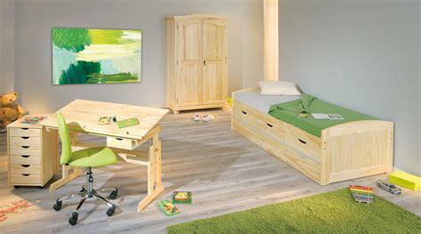 armadi legno naturale armadio in legno massello gisco naturale o bianco guardaroba