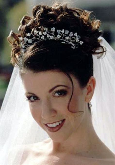 wedding hairstyles curly hair veil poisonyaoi curly wedding hairstyle