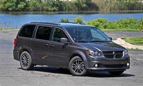 dodge minivan 2020 2020 dodge grand caravan mpg colors release date