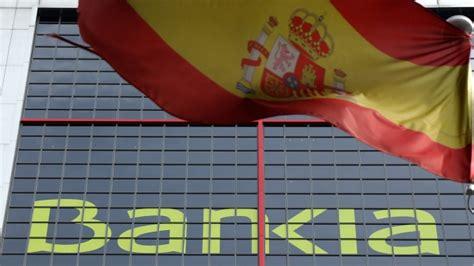 banche in spagna spagna salvano le banche tagliando i servizi ai cittadini