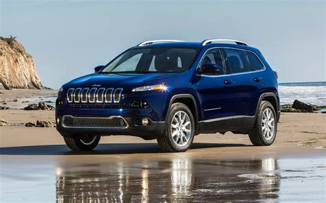 jeep cherokee fire jeep cherokee fire leads to nhtsa investigation