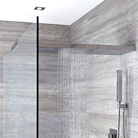 doccia con soffione soffione doccia con braccio doccia integrato per parete