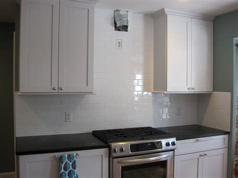 Subway Kitchen Backsplash Fresh Glass Subway Tile Backsplash White Cabinets 8322