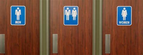 in bagno pubblico primo bagno pubblico no gender in irpinia