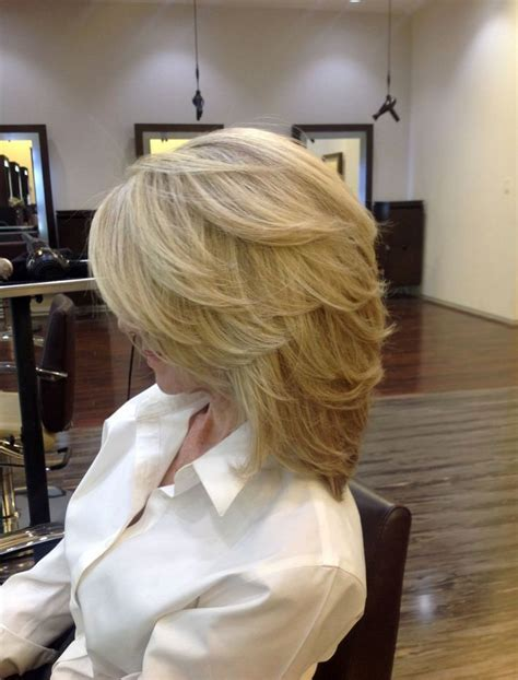 back view of med length hairstyle for older woman стрижка каскад 50 фото как правильно уложить волосы