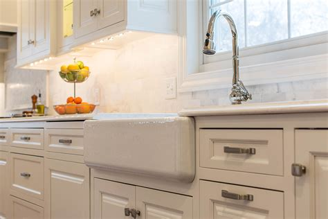 Continental Kitchen Cabinets by Mullet Cabinet A Classic White Continental Kitchen