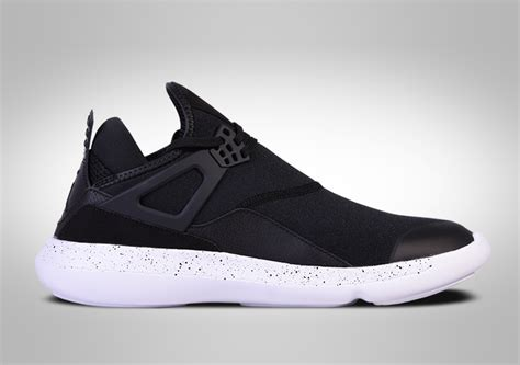 Sepatu Basket Nike Air 89 Low nike air fly 89 oreo bg price 69 00 basketzone net