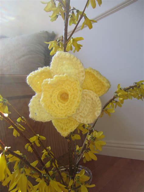 pattern crochet daffodil 10 more beautiful and free crochet flower patterns