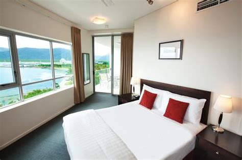 cairns 2 bedroom apartments mantra trilogy accommodation