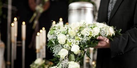 5 ways to find a funeral director s e funeral