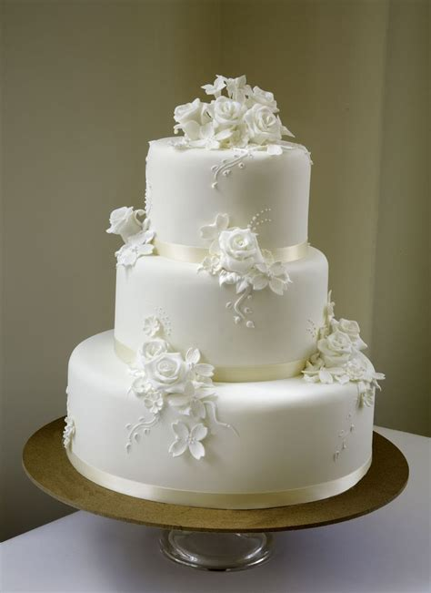 pin wedding cakes30 cake on pinterest grace white from a white cake cake gallery http www