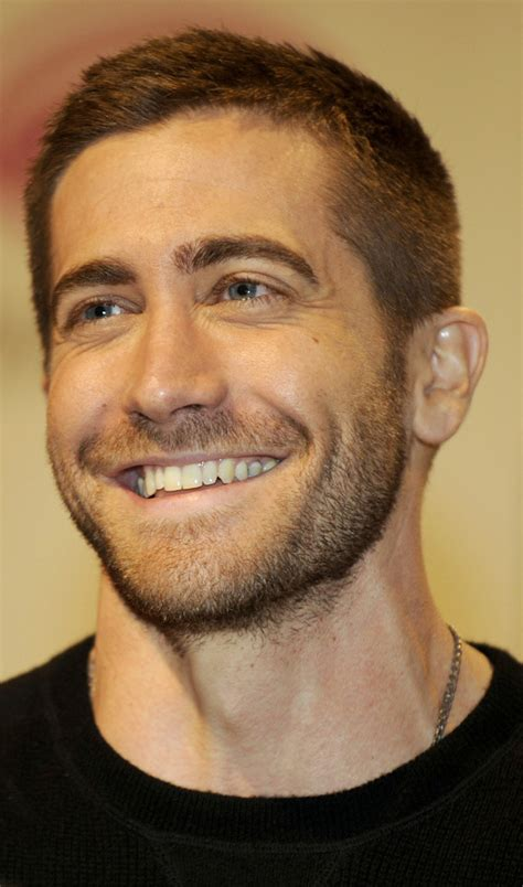 highline hairstyles for men jake gyllenhaal does wondercon for prince of persia