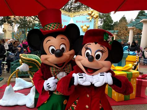 christmas disneyland paris 2017 what to expect travel