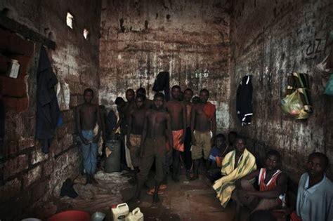 lettere per carcerati la speranza dei detenuti nelle carceri africane in una