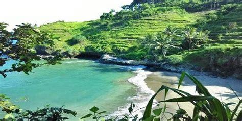 pantai lampon kebumen jawa tengah beautiful beautifulplace beach travelling sundulpkr