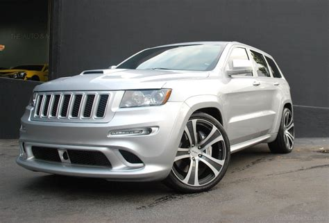 silver jeep grand cherokee jeep car pictures images gaddidekho com
