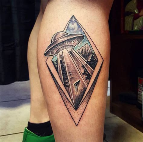 36 captivating ufo tattoo designs tattooblend