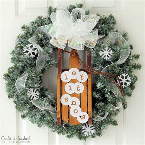 diy sled winter wreath allfreeholidaycraftscom