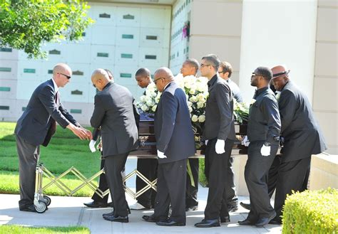 the funeral of michael clarke duncan picture 13