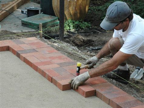 Diy Paver Patio Installation How To Lay A Brick Paver Patio How Tos Diy