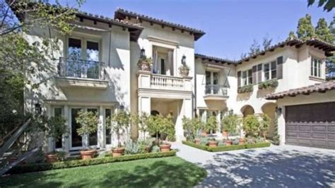 buy a house in la 8 celebrity homes sold with a loss from california to new york abc news