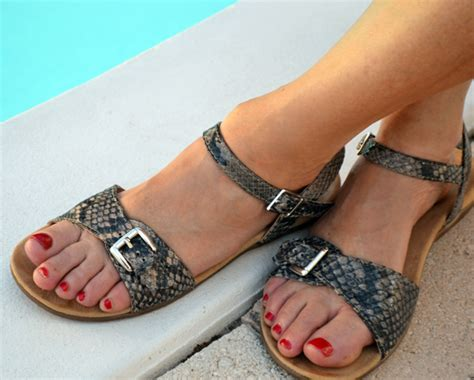 sandals that cover bunions sandals that cover bunions 28 images koolaburra s riva