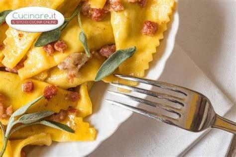 cucinare pancetta casoncelli con burro e pancetta cucinare it