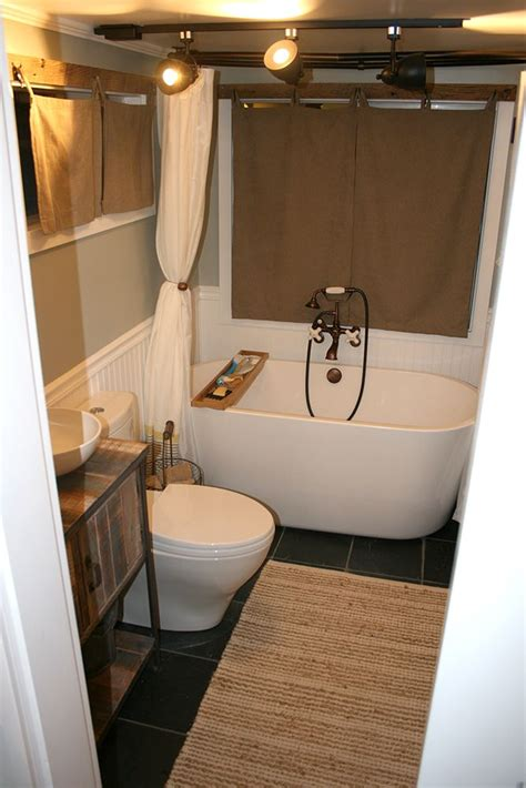 tiny house bathroom ideas 25 best ideas about tiny house bathroom on pinterest