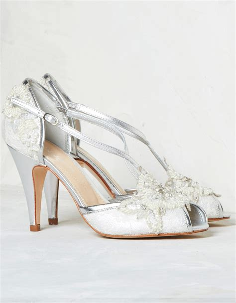 Wedding Shoes Pictures by Bridal Shoes Arabia Weddings